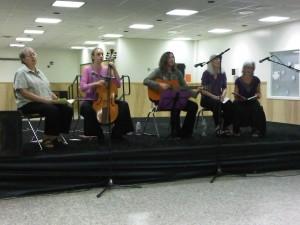 Laz Tiyas performing in 2011